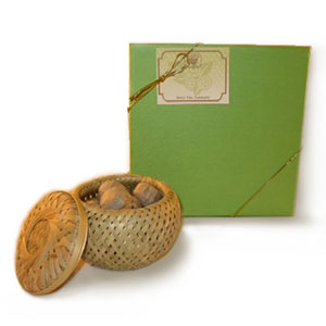 Mini Tuo Cha in a Basket Gift Pack